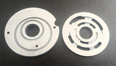 柱塞泵耐磨合金配流盘的检修